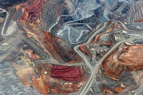 1466130280_australia mine pit