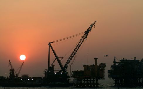 Pimco Sees M&A as ONGC Returns to Dollar Offerings
