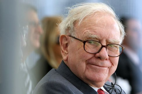 Warren Buffett Chose a Favorite, Not a Successor