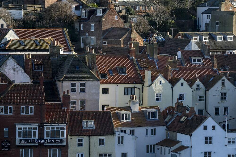 U.K. Banks Give 1.2 Million Home Loan Breaks Under Virus Program - Bloomberg