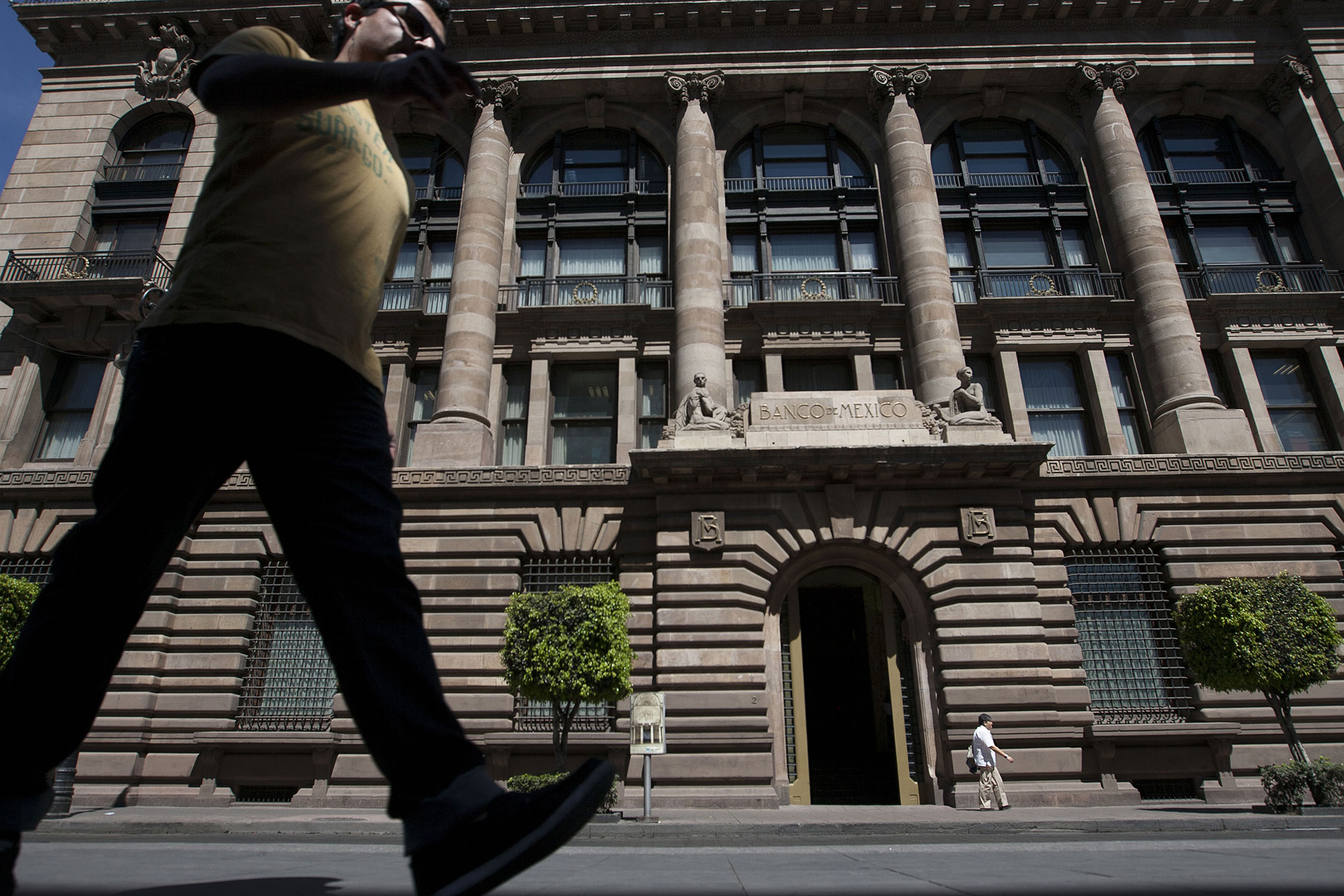 Mexico Regulators Face Off Over Competing Probes Into Bond-Market ...