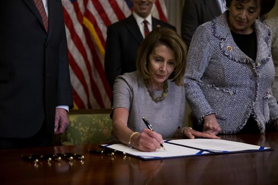 Congress Votes to End Shutdown as Trump Capitulates to Pelosi
