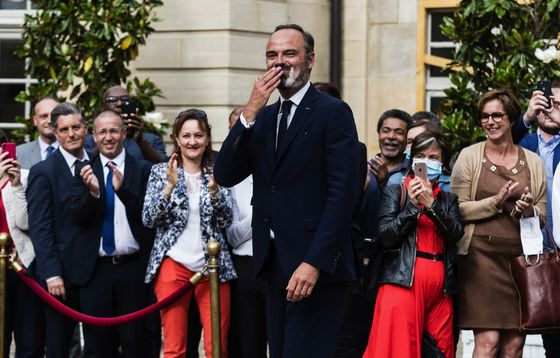 Macron Is 'Going It Alone' With Pick for New Prime Minister