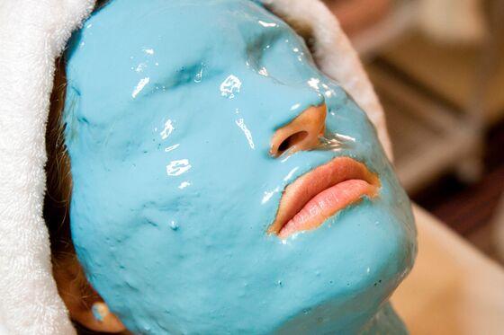 Face Mask Craze Creates Korean Billionaire With Goldman Backing