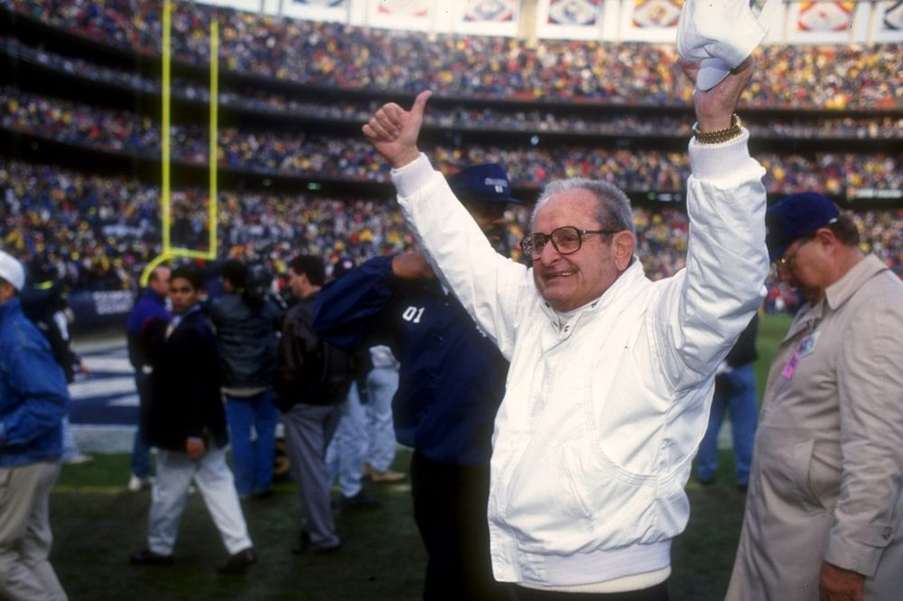 Alex Spanos Los Angeles Chargers Billionaire Owner Dies At 95