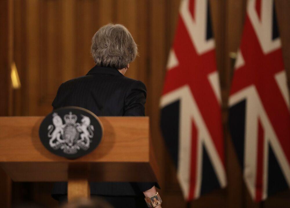 Ξεχάστε τα υπόλοιπα: το Brexit της Theresa May θα κοστίσει μια περιουσία