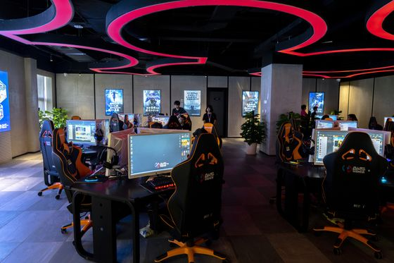 Sport or Sellout? Debate Rages Over Medals for Video Games