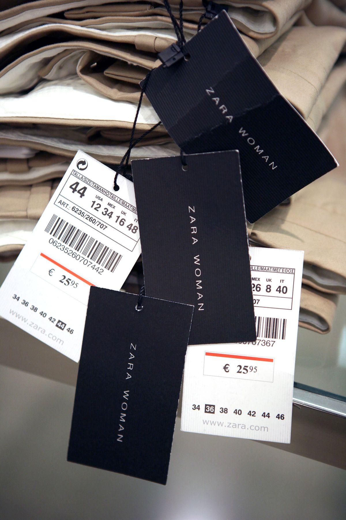 Turkish Lira's Plunge Brings Cost Relief for Zara Owner Inditex
