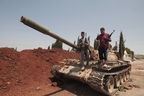 Syrian Rebels Shell Military Airport in Aleppo as Clashes Rage