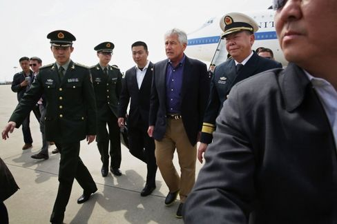 In a First, U.S. Defense Secretary Hagel Visits Chinese Aircraft Carrier