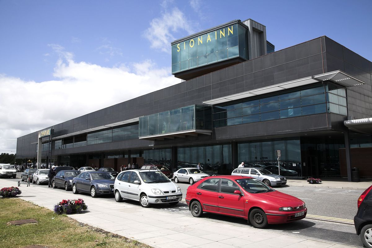 Ireland's Shannon Airport Suspends Operations for Plane Fire