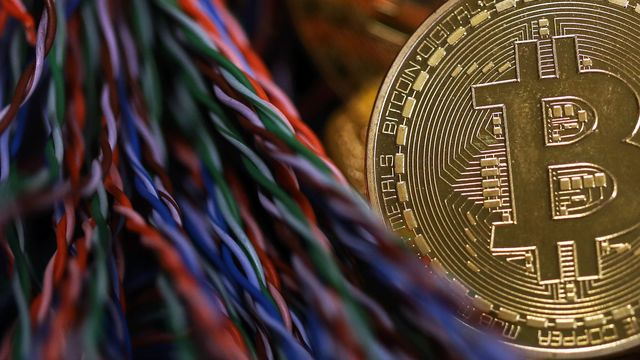 Cryptocurrencies Fall as Korean Exchange Says $32 Million of Coins Stolen