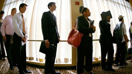 U.S. Jobless Claims Fall to Lowest Level Since End of November