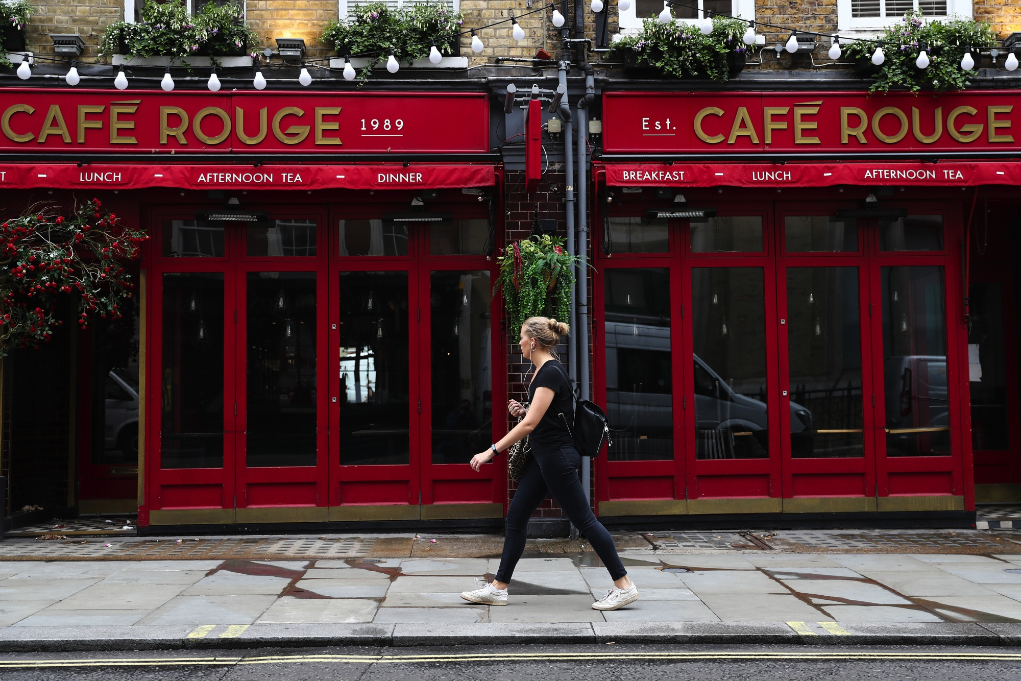 Cafe Rouge Among Restaurants Sold To Epiris By Kkr Owned Group Bloomberg