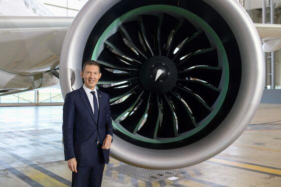 Air France-KLM May Split Narrow-Body Order as Talks Heat Up