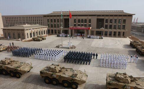 ジブチの中国軍基地、開設式典(8月1日)