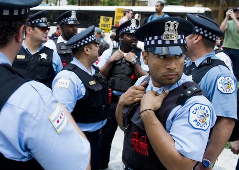 Emanuel Proposes Hiring 457 Police to Combat Chicago Murders