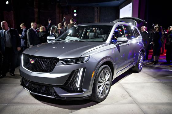 Cadillac Chases Luxury's Top Players and Profits With New XT6
