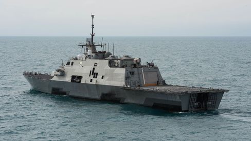 The littoral combat ship USS Fort Worth