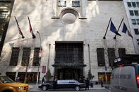 Five Stars Fade for Hotels as Profits Beat Luxury: Real Estate