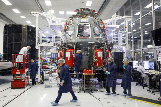 Musk's SpaceX Test Postponed to Sunday Due to High Winds