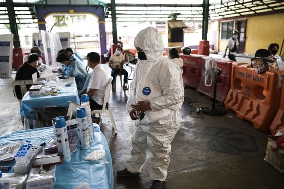 Virus Missteps Could Make Philippines Into Asia's Laggard