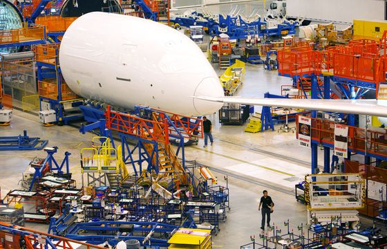 Boeing Prepares Deeper Cuts From Executive Ranks to Real Estate