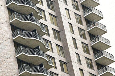 Manhattan Apartment Rents Jump 7%