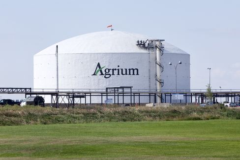 Agrium Cuts Retail Unit Value 38% as Jana Pushes for Spinoff