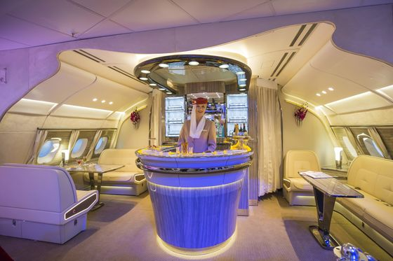 After Shower and Bar at 30,000 Feet, Emirates Focuses on Economy