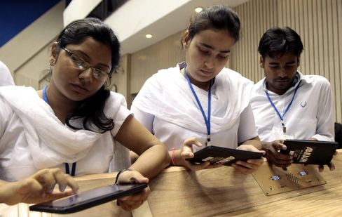 Ipad Age Prompts India to Sell $22 Student Tablet