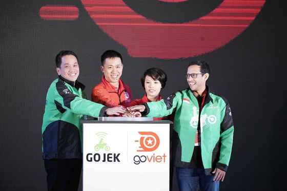 Go-Jek in Talks to Raise at Least $2 Billion in Funding