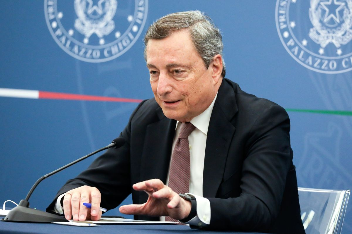 Mario Draghi Cites U.K.'s Covid Response as Example of What Not to Do