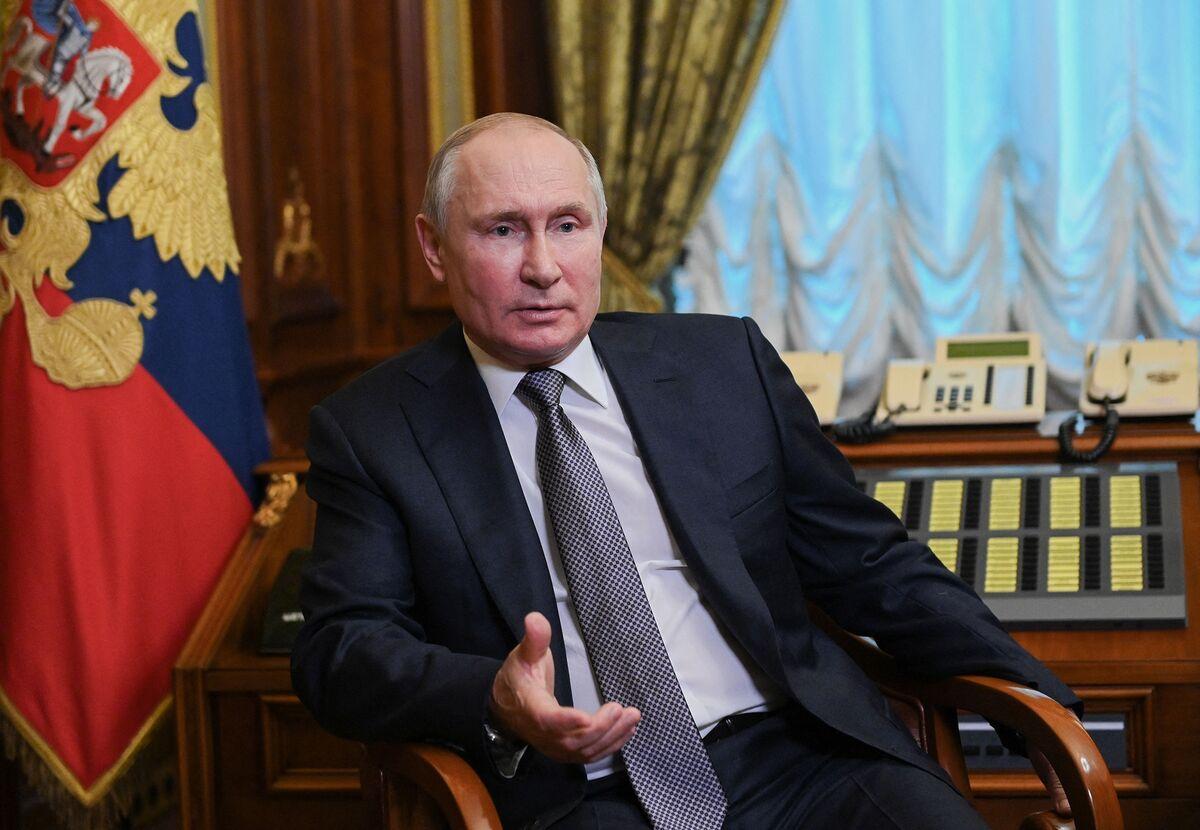 Russia Bars News Site That Said Putin May Have Secret Child