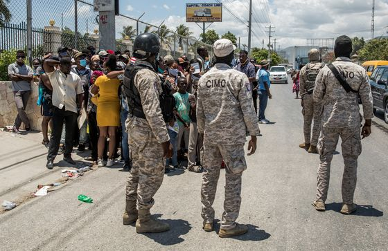 U.S. Sends Team to Haiti While Holding Off on Troop Request