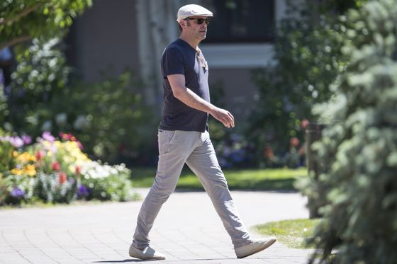 Tesla Shareholders Urged to Reject Murdoch, Kimbal Musk on Board