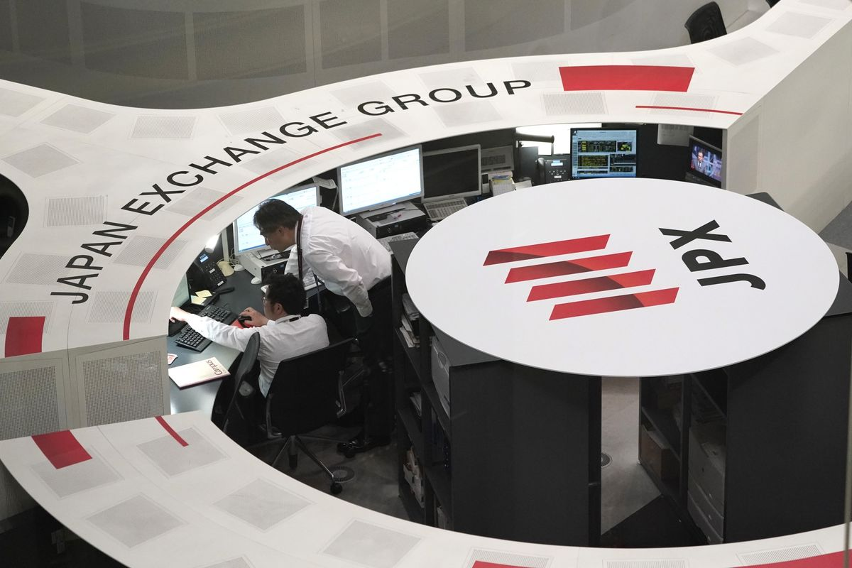 Asia Stocks Mixed; Euro Steadies After Elections: Markets Wrap