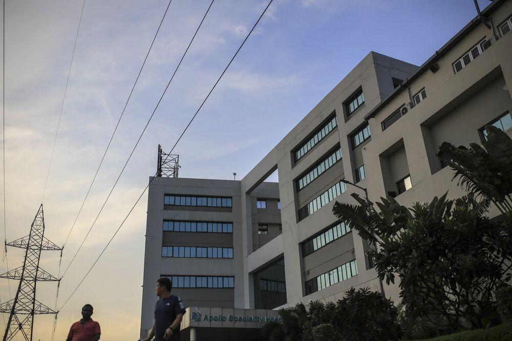 A $2 Billion Health Empire Run By Four Sisters Makes a Comeback