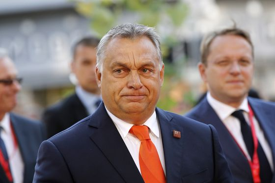 Orban Told by Germany's Weber to End Anti-EU Campaign, Apologize