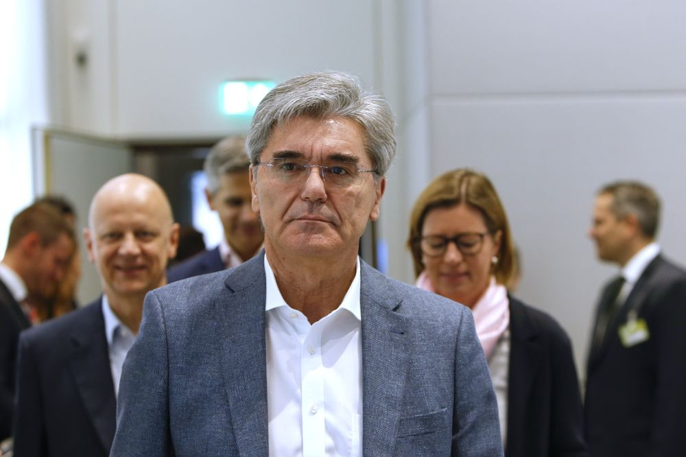 Siemens Boss Stays Well Ahead of the Hedge Funds