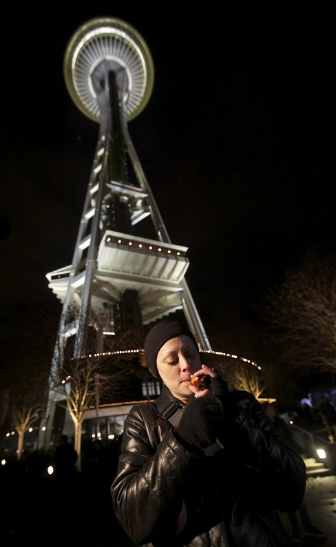 Legalized Marijuana's First Day in Washington Draws Pot Revelry