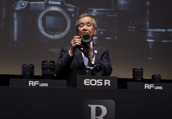 Canon Joins Sony, Nikon in Battle for Pro-Photography Market