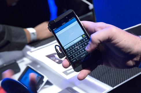 BlackBerry Wins Biggest Corporate Order on Record From Retailer