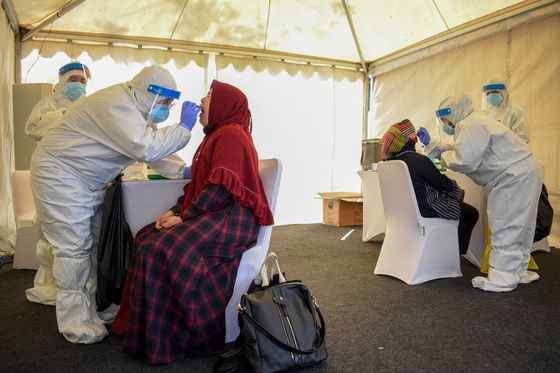 Theft of Corpses Adds to Indonesia's Coronavirus Challenges