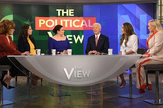 Biden Struggles to Apologize for Anita Hill's Treatment, Reassure Women