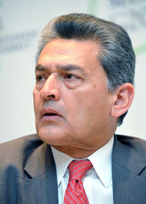 SEC Says Ex-Goldman Sachs Director Gupta Tipped Rajaratnam