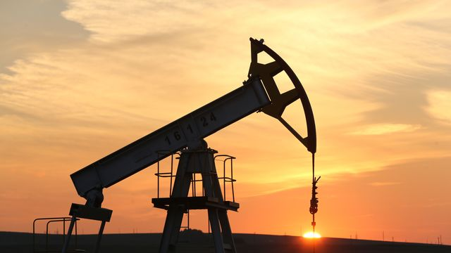 Oil Bears Are Back as Prices Fall and Driller Shares Take a Hit