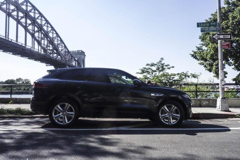 Jaguar-f-pace-review-bloomberg-04