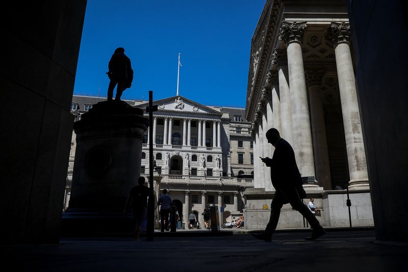 BOE's Empty Desks, Mnuchin Interview, RBA's Sydney Woes: Eco Day