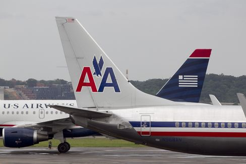 AMR Ad Hoc Bondholder Group Said to Favor Merger With US Airways